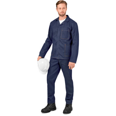 The Rigger Denim Conti Suit is made from 290 g/m² of 100% cotton and 10.5oz denim.