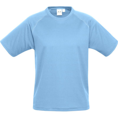 The Kids Sprint T-Shirt is a 145g/m2 100% breathable polyester light blue short sleeve shirt. With a new generation mesh knit, raglan short sleeve with top stitching detail and a self fabric crew neck