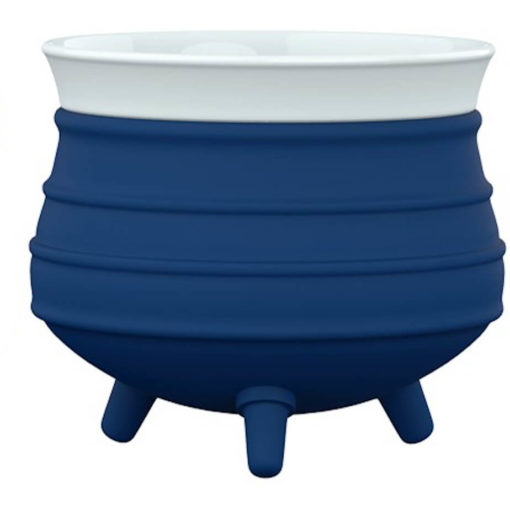 The Poykie Ceramic Pot With a silicone cover, in navy is very versatile and can be used for anything. Made from ceramic and silicone, packed inside a giftbox.