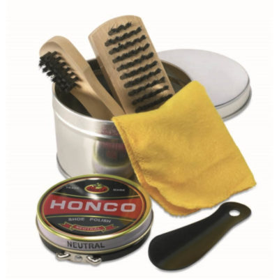 The Shiny Shoe Polish Kit is a five piece shoe polish kit presented in a tin gift box that includes a shoe polish, 2 shoe brushes, buffers and a shoe horn.