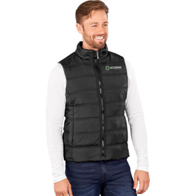 The Mens Lando Bodywarmer is a black puffy bodywarmer with a full padded quilt. Full zip with chin protector, curved back hem and front panels with side welt pockets