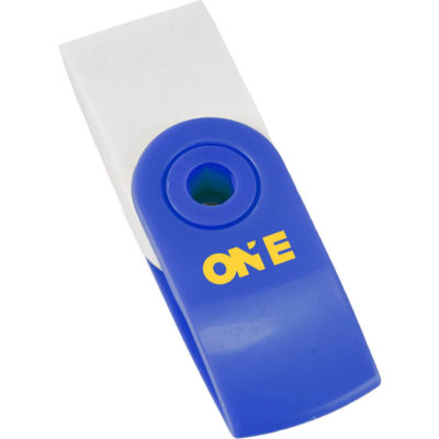 The Swirl Eraser is made from ABS plastic with synthetic rubber. Contains a blue swivel case.