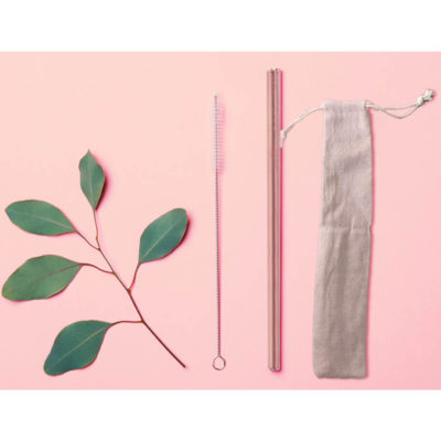 Our Rose Gold Straw Set comes with 1 straight stainless steel rose gold straw, a straw cleaner and a handy dandy jute bag. Layout,