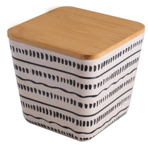 The 700ml Bamboo Tupperware is a square shape container, made from 65% bamboo fiber, 15% corn powder, 20% melamine and wood lid