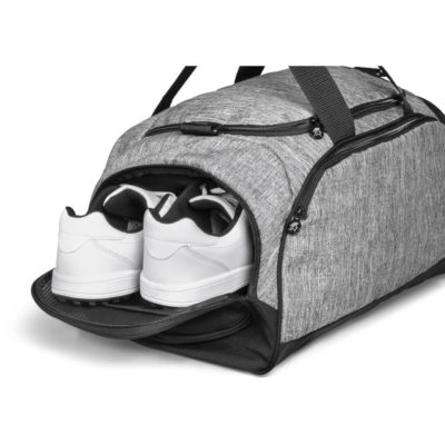 The Gary Player Erinvale Duffel in a grey 600D & linen polyester golf duffel bag with a main large sotrage compartment, side zippered opening to access the main compartment, a front pouch, carry handles and a removable and adjustable shoulder strap. Branded Gary Player zip pullers and lining