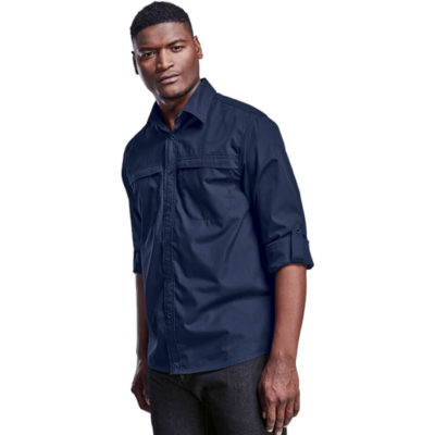 The Barron Anti-Mozzie Lounge Shirt is a 98g 100% polyamide ripstop fabric long sleeve shirt with an anti-mozzie finish. Features include a 3/4 roll up tab and button, front yoke detail, two inner chest pockets with flap closures and a back vent with mesh insert for added breathability