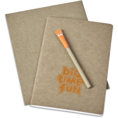 The Eye-Eye Eco Writing Set has a black ink pen with a orange colour lid, a natural Kraft paper cover notebook and self-sealing Kraft paper envelope