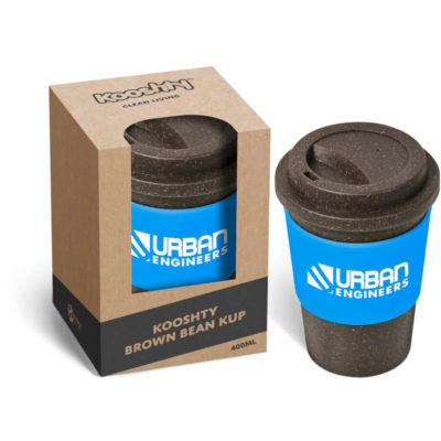 The Kooshty Brown Bean Kup is a brown melamine and coffee ground reusable coffee cup with a heat resistant silicone band, a screw on lid and 400ml capacity. Packaged in a brown kraft paper pre-branded Kooshty window view gift box